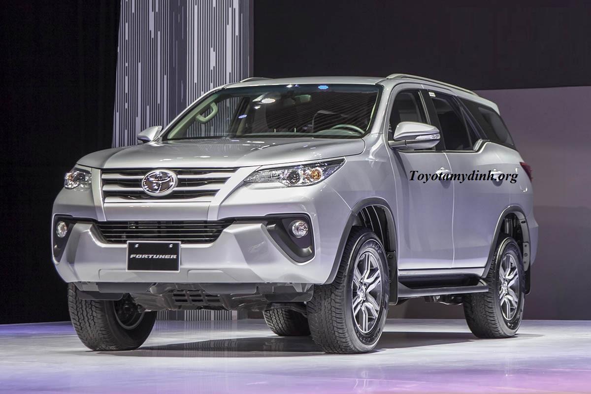 Toyota-fortuner-G-2017-phia-truoc