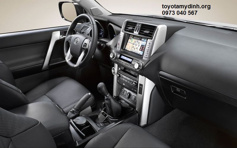 2014_toyota_land_cruiser_prado+interior_view1