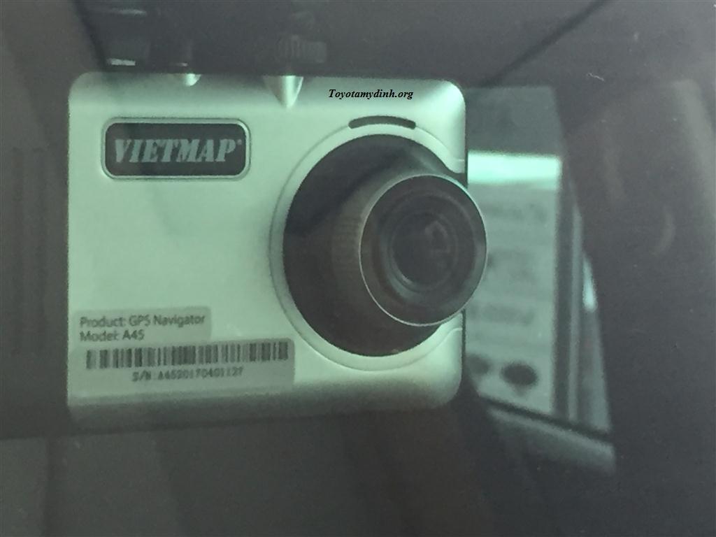 Fortuner-V-1 cau-2017-camera-hanh-trinh-Vietmaps-02