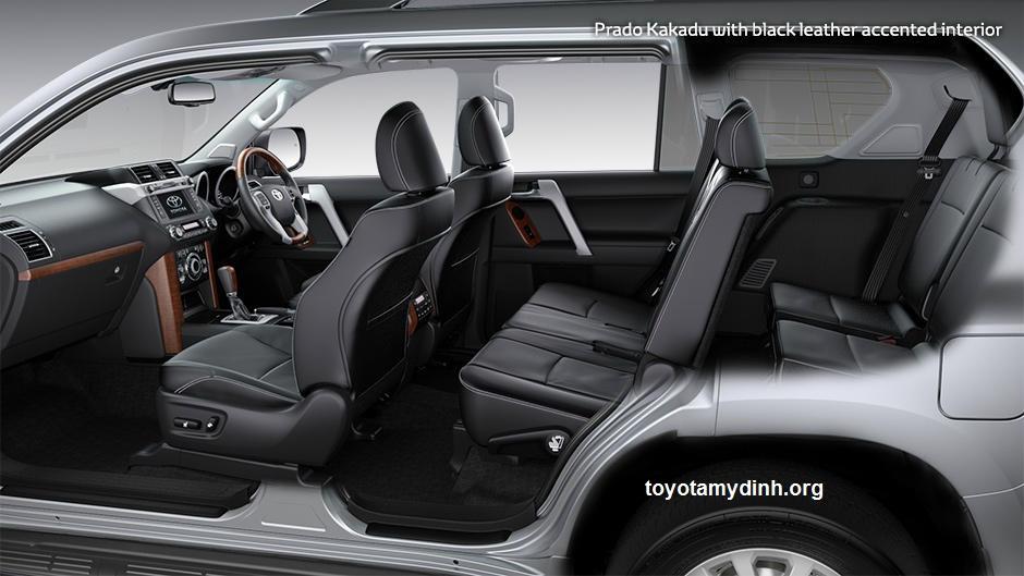 Ghế da mầu đen cao cấp trên xe prado