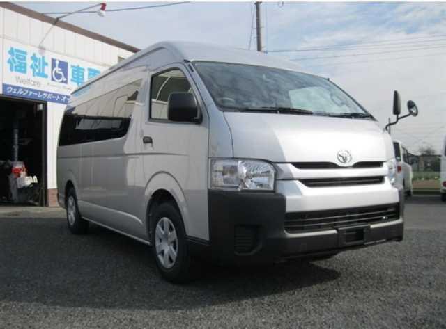 Toyota-Hiace-2014