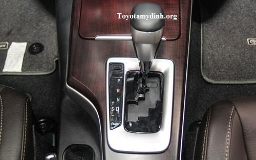 Xe trang bị động cơ dung tích 2.7 lít; Hộp số tự động 6 cấp tiên tiến
